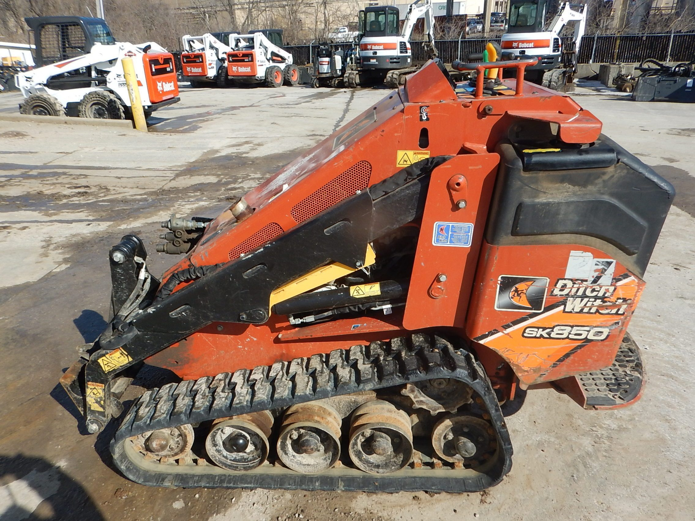Used  DITCH WITCH SK850